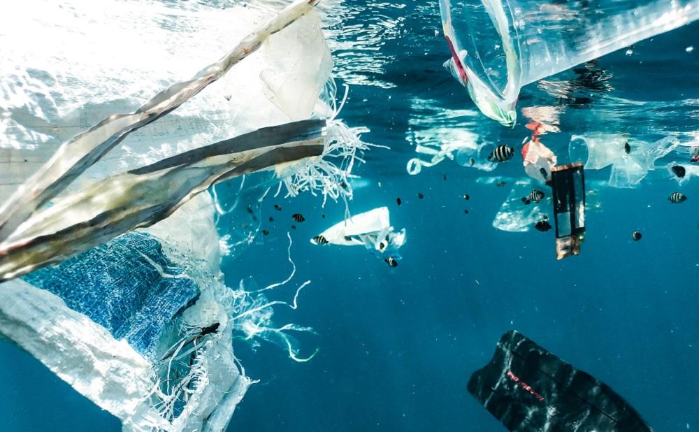 Investire sostenibile: non solo plastica, quanto pesa il rischio dei rifiuti
